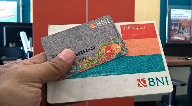 12 Jenis kartu ATM BNI berbagai warna, Mastercard, dan GPN